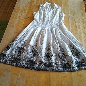 dress white sleeveless full skirt sz 11